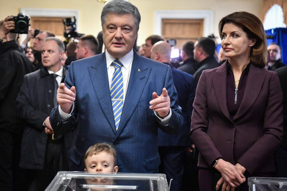 Petro Poroshenko votes in Kiev, 31 March