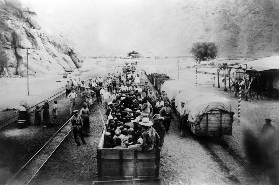 A train carrying Herero prisoners to the concentration camp (1904)