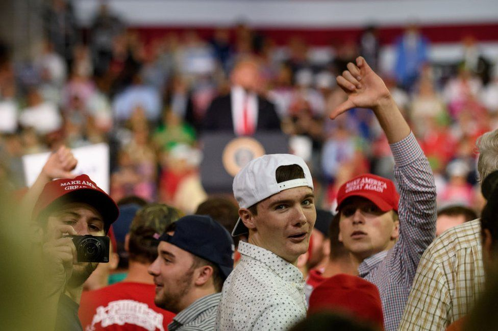 Trump's audience boo's the media