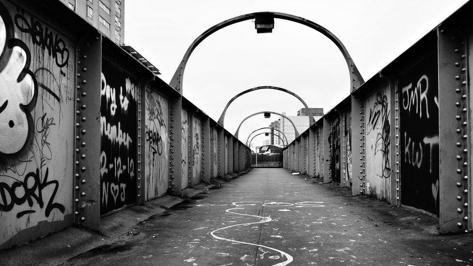 Pont ger Pellett Street // Pellett Street bridge