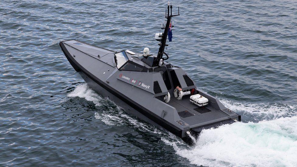 MAdfox boat