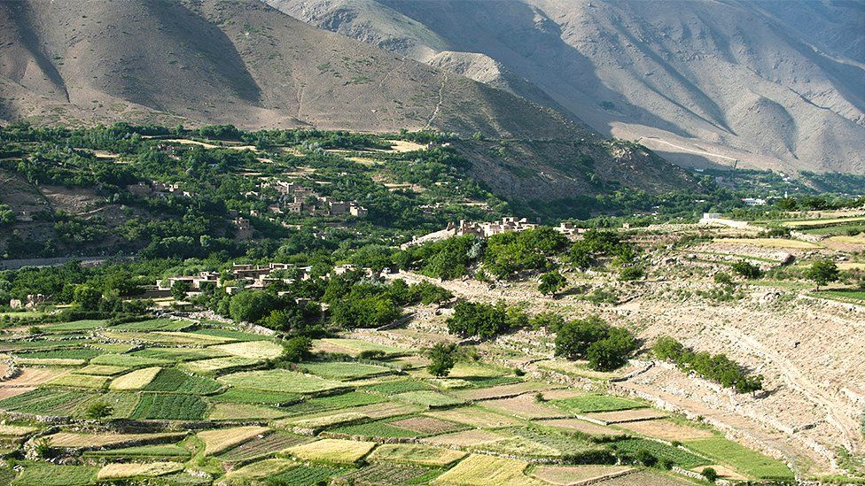 Afghanistan: The 'undefeated' Panjshir Valley - an hour from Kabul - BBC News