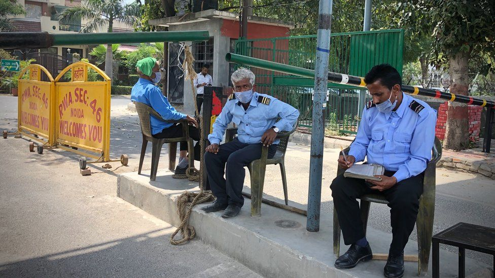 Vijay Dubey and other security staff