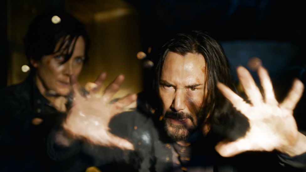 Carrie-Anne Moss and Keanu Reeves in The Matrix Resurrections