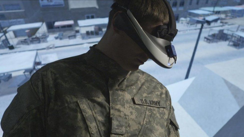 A US soldier using a VR headset