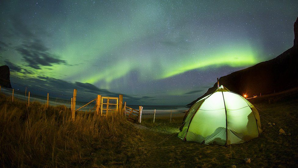 He camped out with Norwegian photographers Mats Andreassen Grimsæth and Emil Kjos Sollie