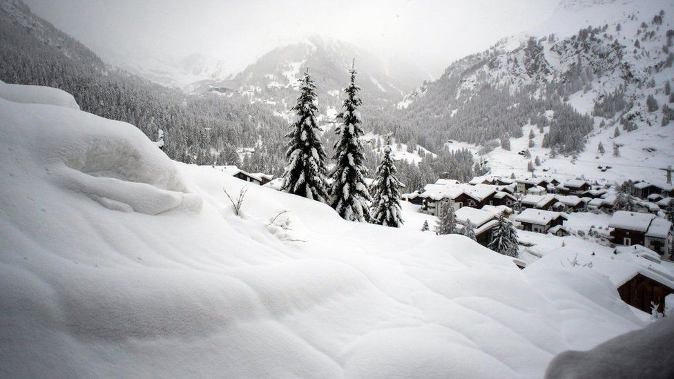 Huge amounts of snow are pictured in Zermatt, Switzerland, 09 January 2018.