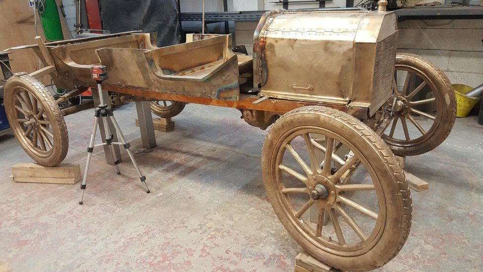 Making of Ford Model T bronze statue