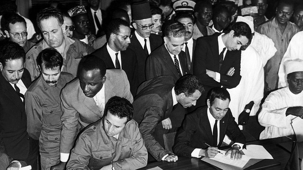 Mali, Ahmed Ben Bella And Hassan Ii Of Morocco Signing Bamako Agreement That Ended The Sand War, On November 1St 1963.