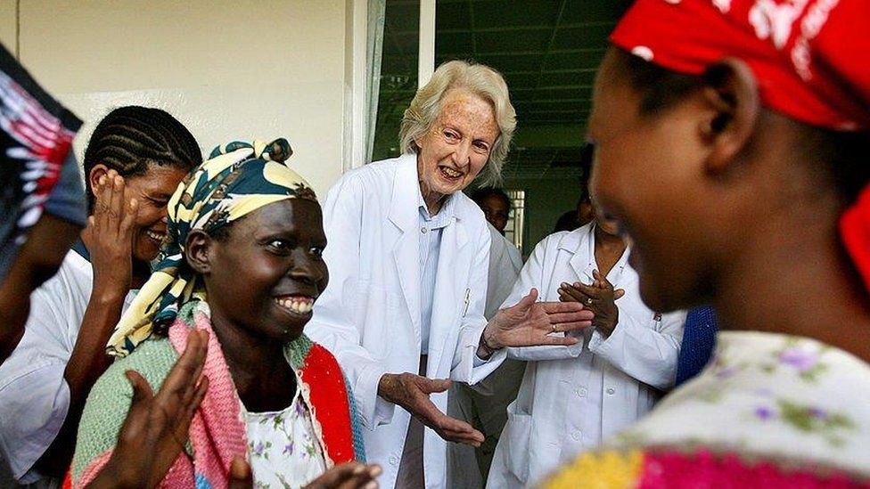 Dr Catherine Hamlin with staff and cured fistula patients in Addis Ababa, 2008