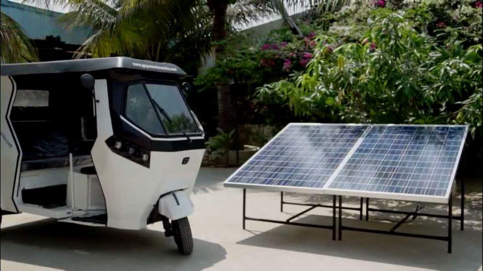An e-rickshaw