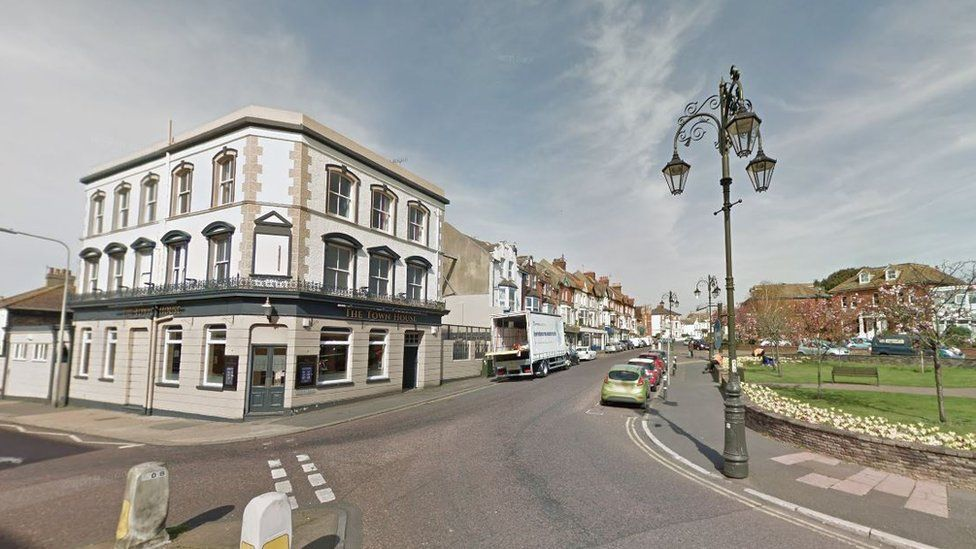 Six people were injured in the fight on London Road near The Town House pub