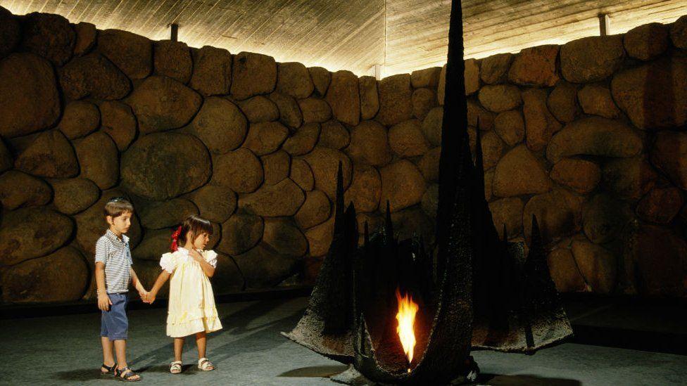 Children observe Eternal Flame at Yad Vashem Holocaust Memorial, Jerusalem (file photo)
