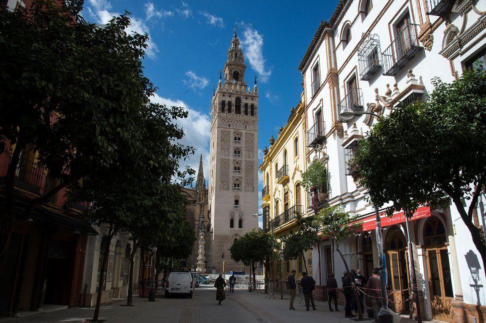 The Giralda bell tower and the Giralda Bar in Seville