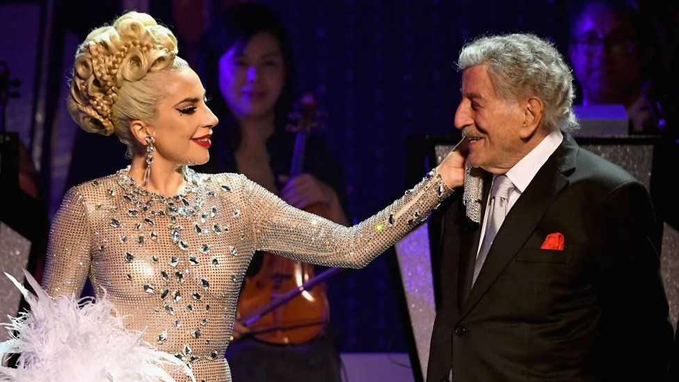 Tony Bennett reveals he has Alzheimer's disease