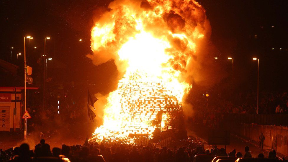 Londonderry bonfire, 15 August 2016