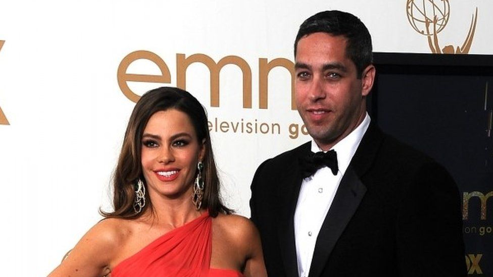 Sofia Vergara and Nick Loeb at the Emmy Awards, 2011