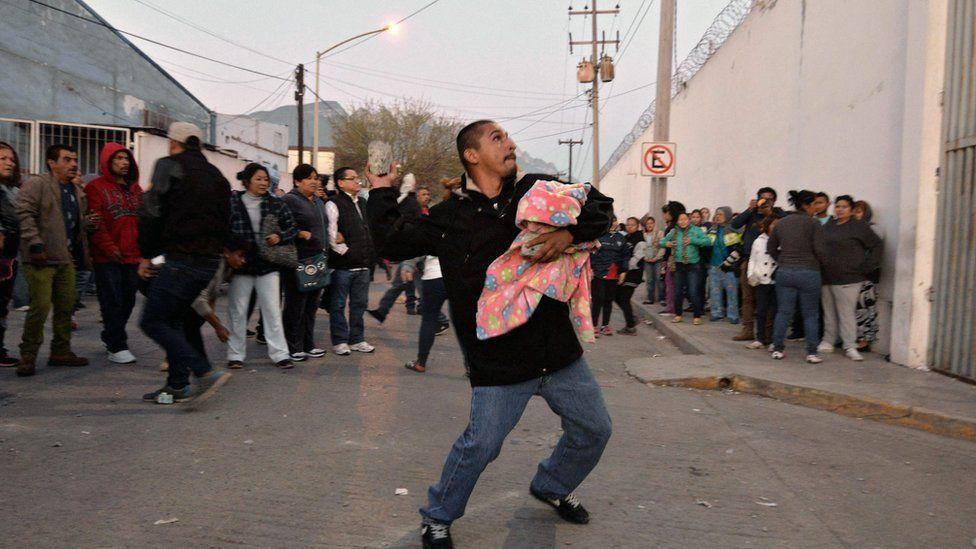 Scene outside Topo Chico prison. 11 Feb 2016