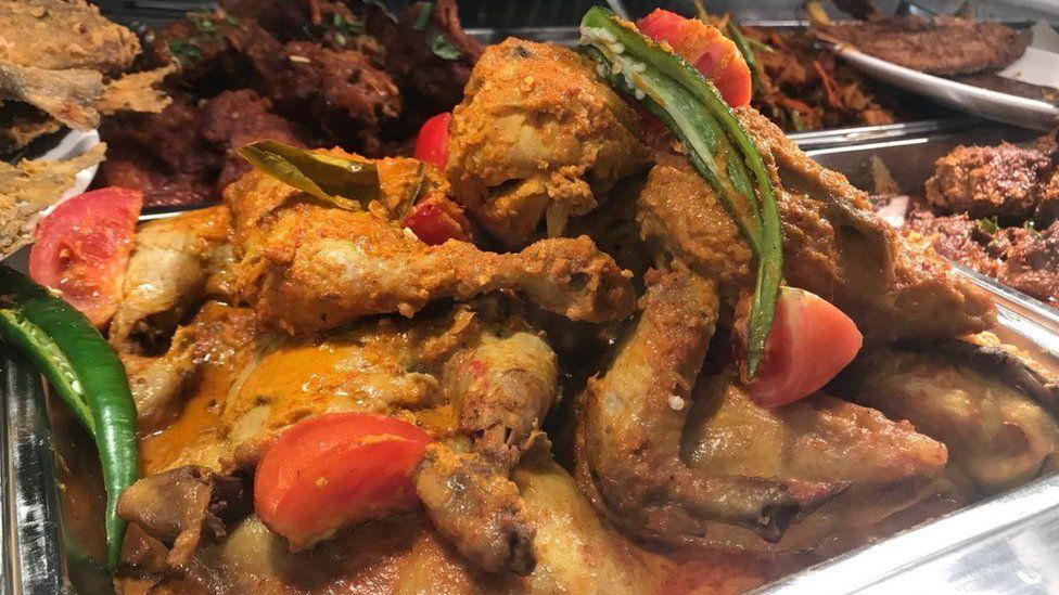 Chicken rendang