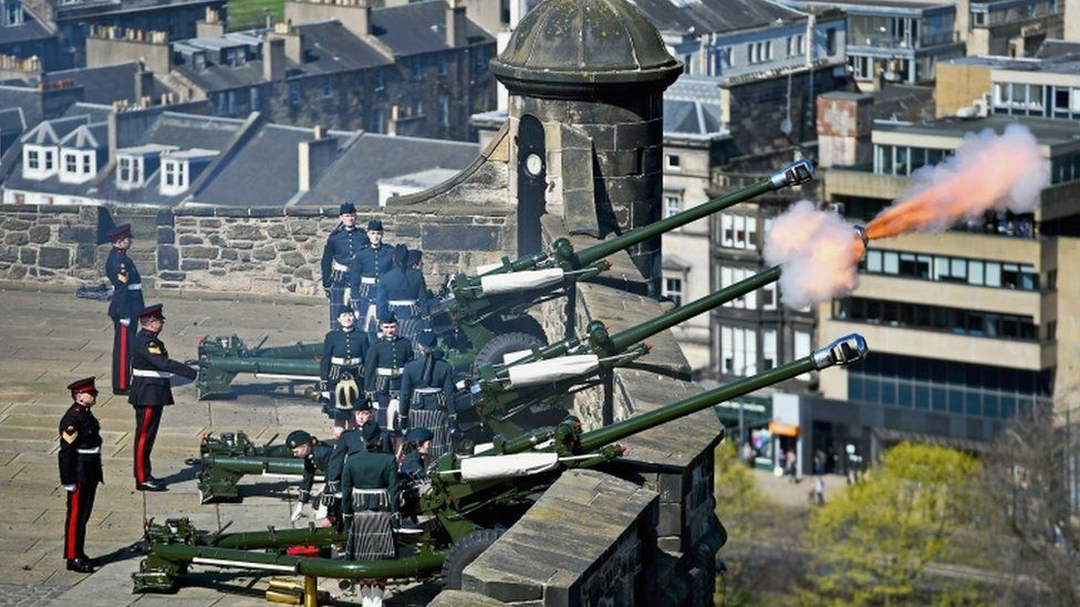 Gun salute at Edinburgh Castle