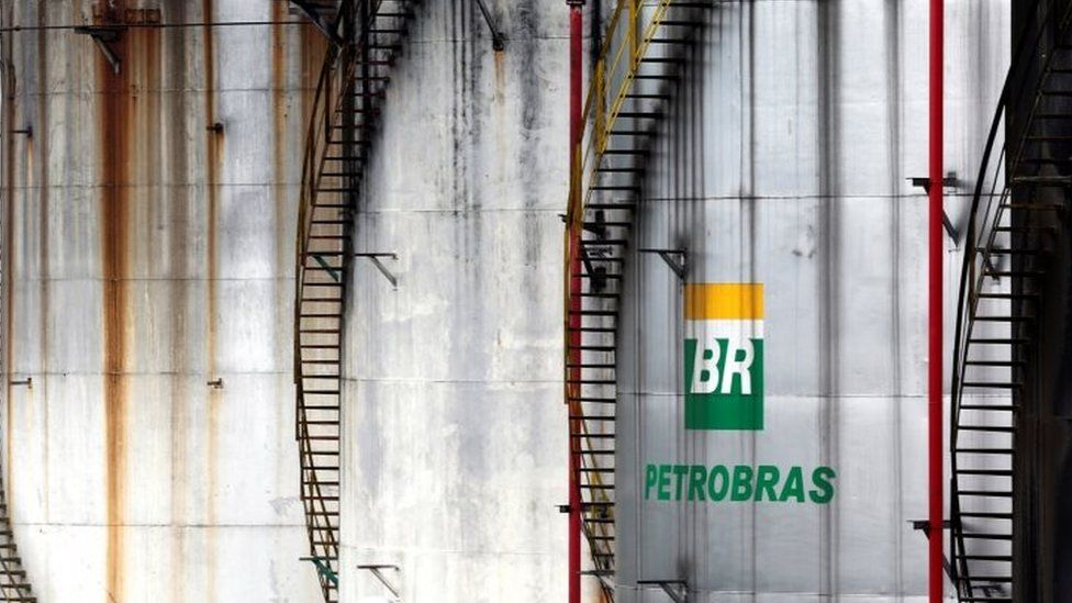 The logo of Brazil's state-run Petrobras oil company is seen on a tank in Cubatao, Brazil (12 April 2016)