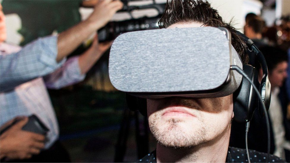 Google's Daydream VR system could be a threat to Facebook's budget VR success