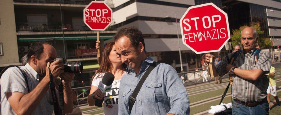 Francesco Arcuri (C) leaves the court of Granada after appearing before a judge on August 8, 2017