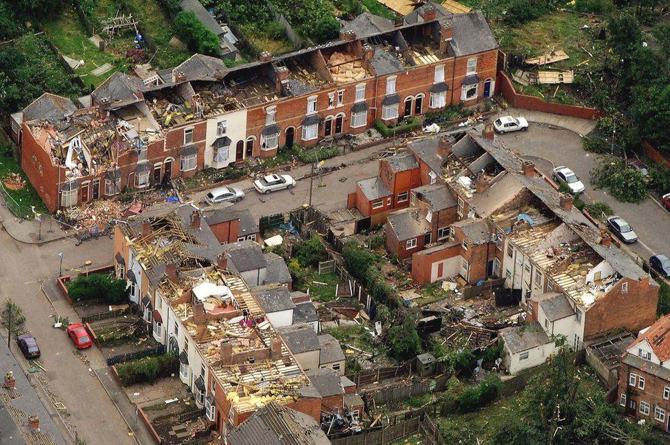 Birmingham Tornado 15 Years On A Scene Of Total Devastation Bbc News