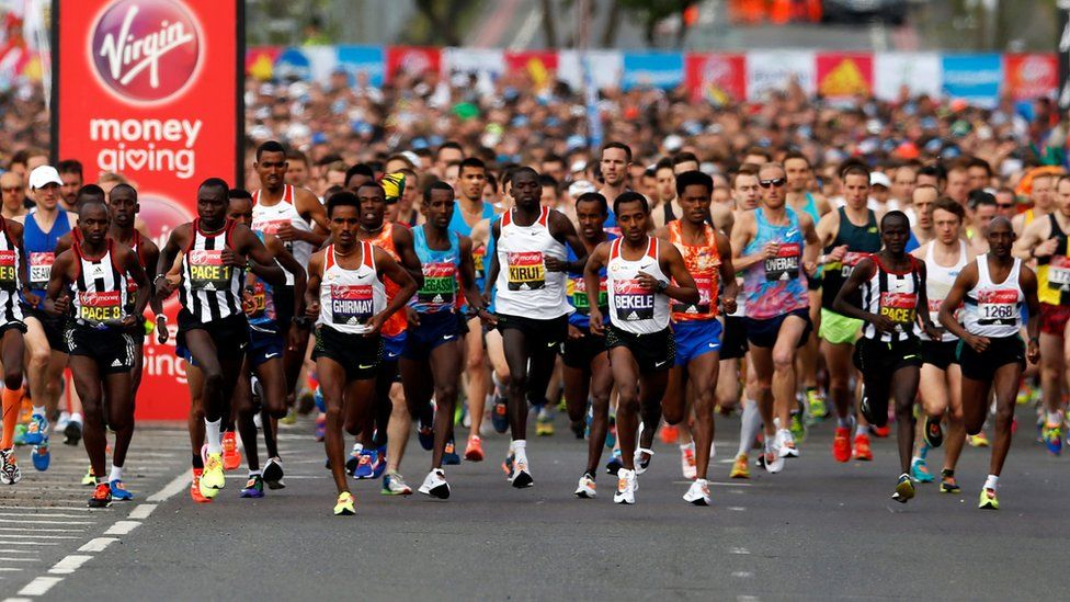 Start of the Elite men's marathon