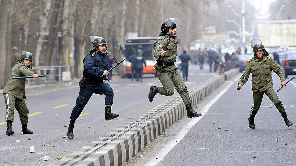 Security forces chase protestors in Tehran