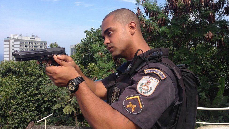 Rio police officer