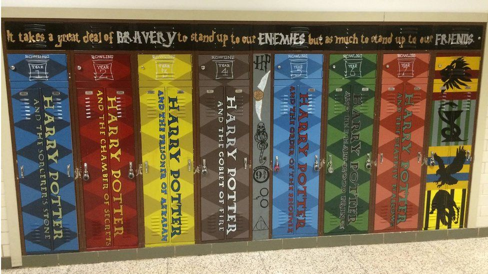 The School Using Giant Book Murals To Encourage Reading Bbc News