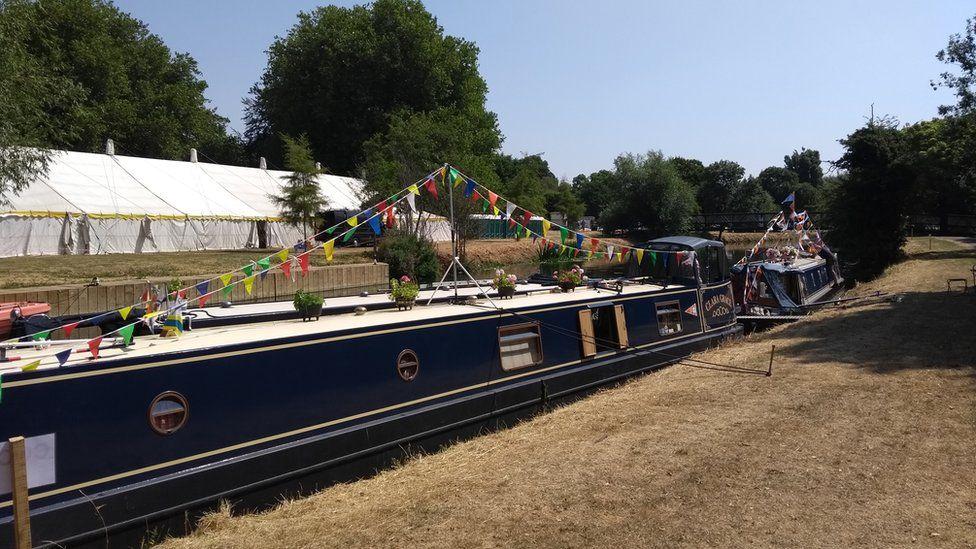 Clara Grace narrow boat
