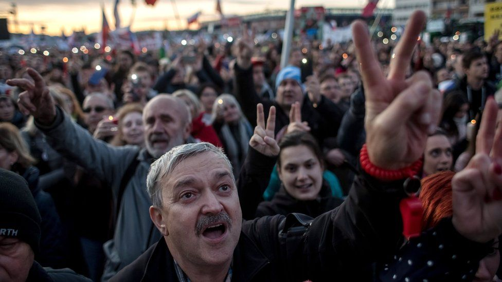 Czech anti-government protesters mark anniversary of revolution