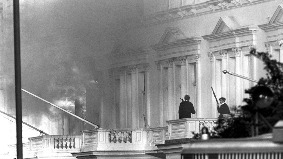 Armed police on the adjoining balcony to the Iranian Embassy during the siege in 1980