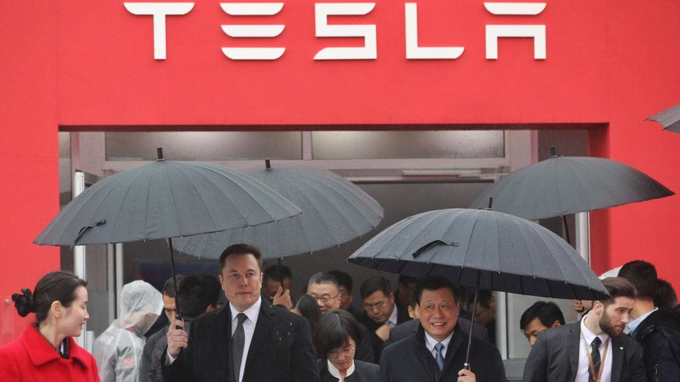 Tesla gets the go-ahead to build cars in China