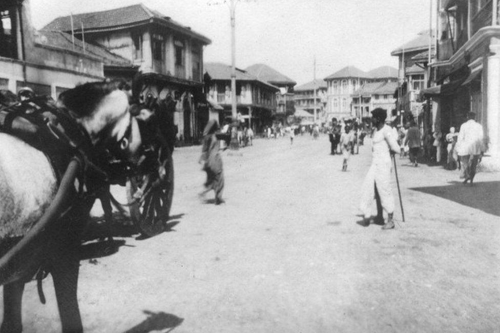 A street in Mumbai (Bombay), India, c1918.