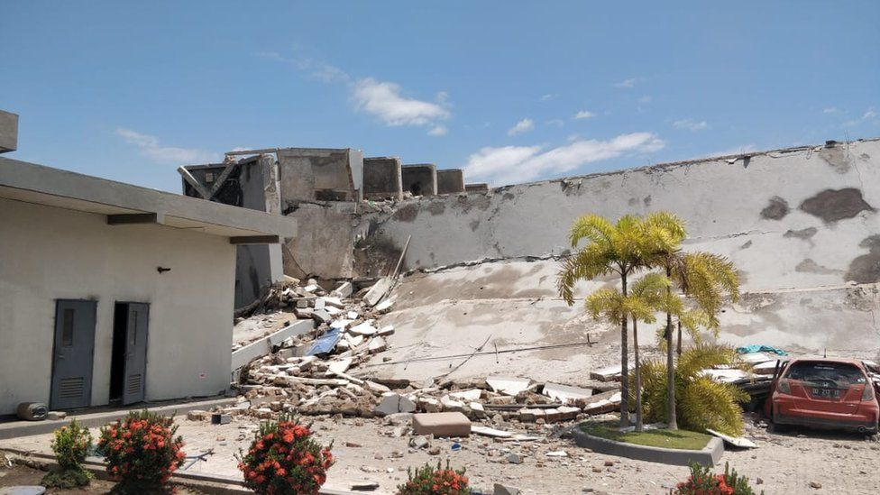 The Roa Roa Hotel in Palu was toppled by the quake