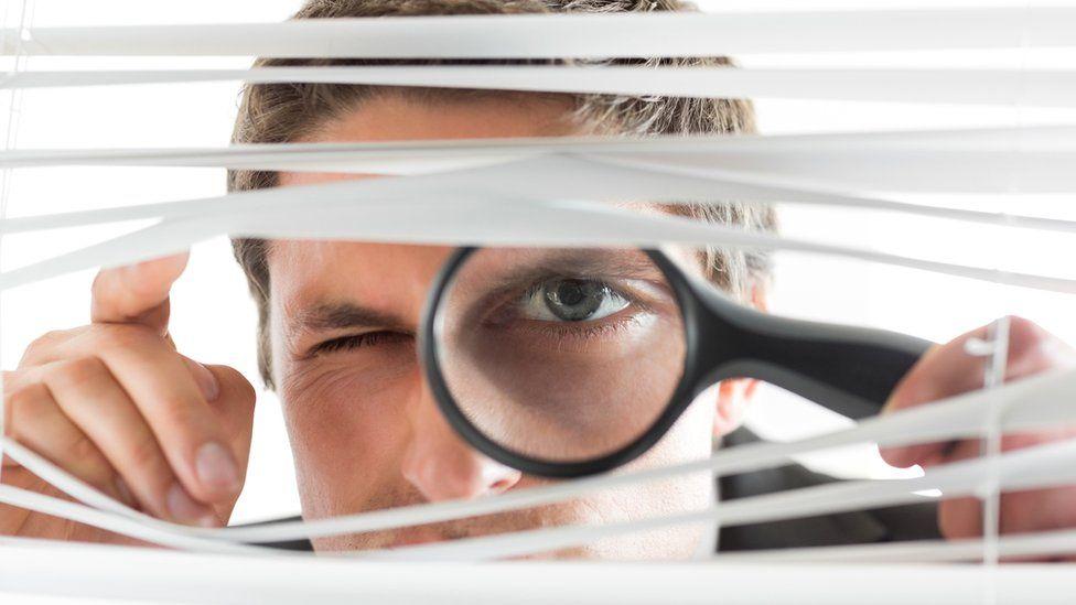 Имеет ли право ваш начальник вторгаться в вашу личную жизнь