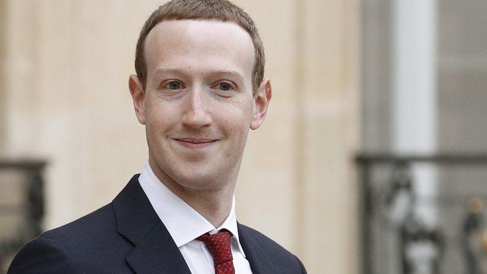 Facebook's Mark Zuckerberg 'survives' leadership vote - BBC News