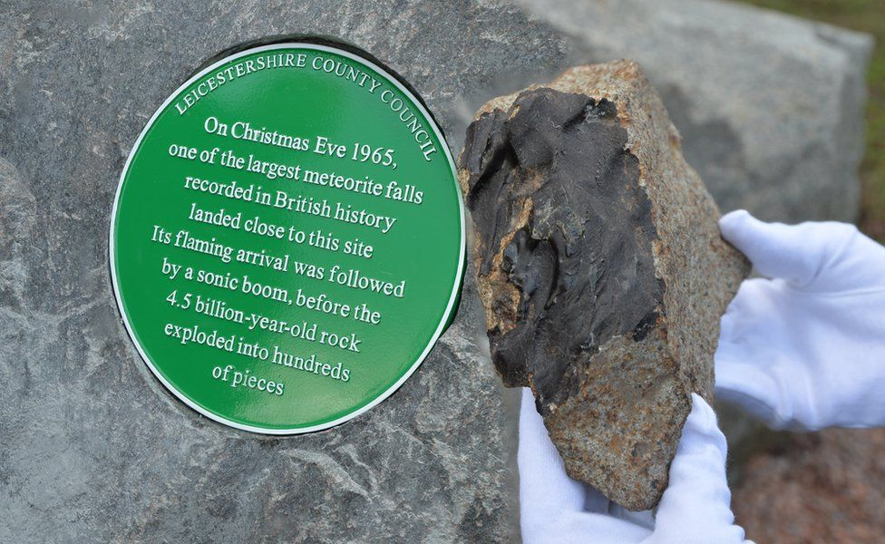 Plaque and a piece of the Barwell meteorite