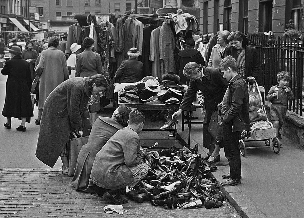 A market in London's East End, 1940