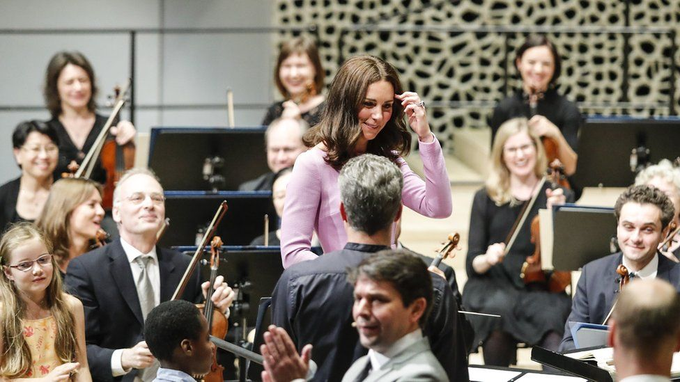 The Duchess of Cambridge conducts the Hamburg Symphony Orchestra
