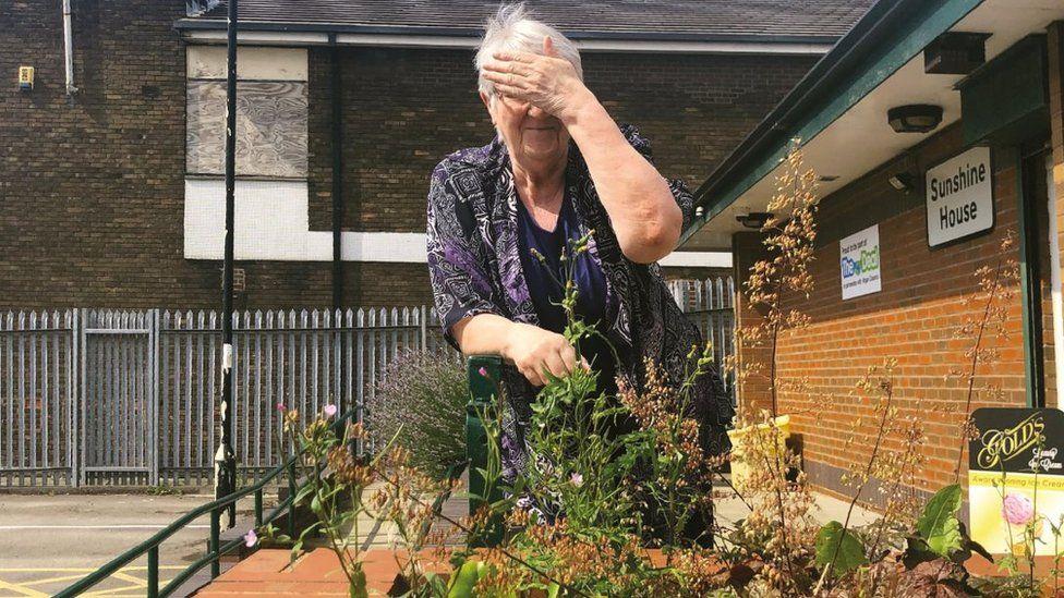 Barbara Nettleton covers her face