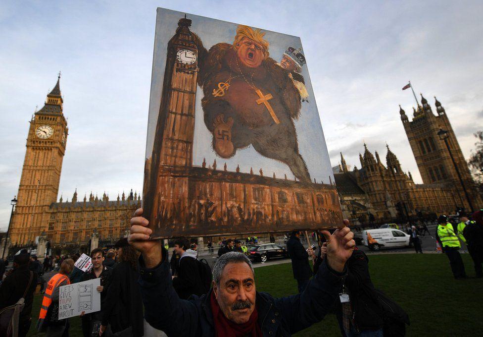 Londra'da Trump karşıtı protesto: Önce insanlık