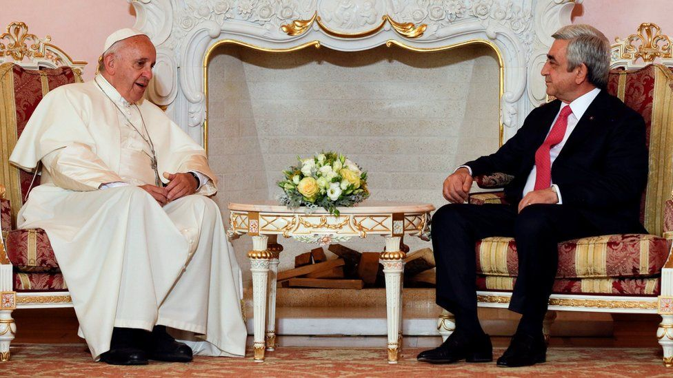 Pope Francis meets Armenian President Serzh Sargsyan in Yerevan's Presidential Palace on 24 June