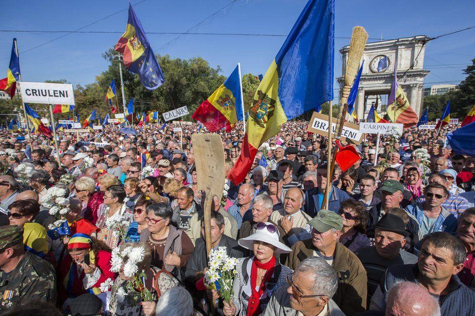 Anti-government rally, Chisinau, 4 Oct 15
