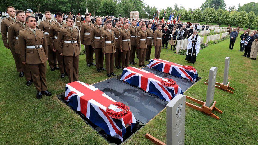 Three British WW1 soldiers buried after 'emotional' DNA match
