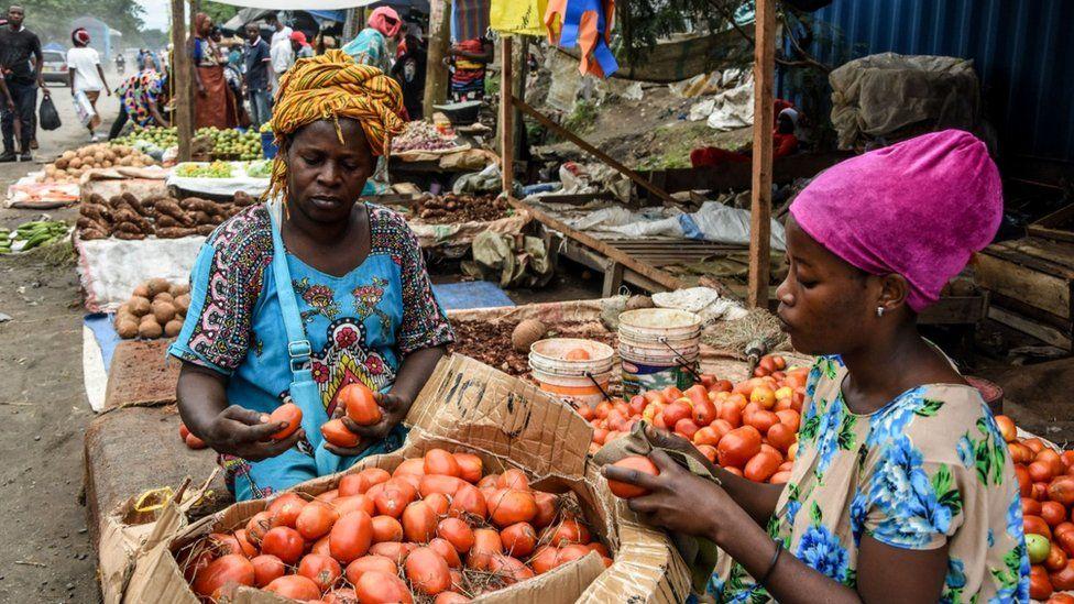 Women in a Tanzanian market