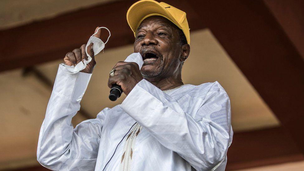 Alpha Condé: Guinea's ousted president in good health, Ecowas says thumbnail
